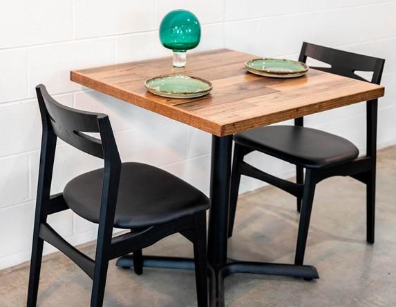 столешница для стола в ресторане